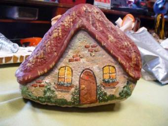 Sue Gerdes's cute fairy house from a rock