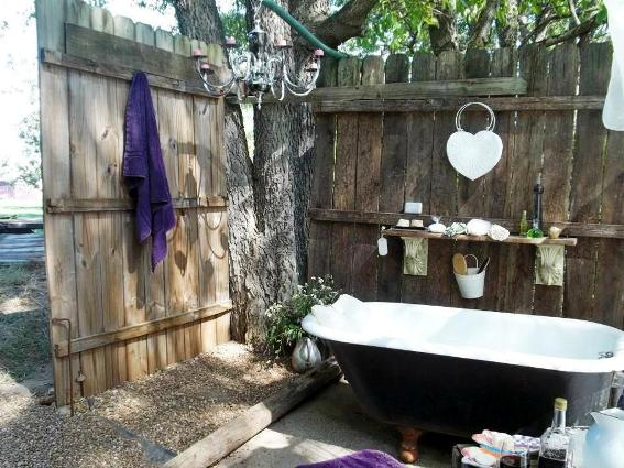 Annie Albright really uses her tub for relaxing après gardening baths