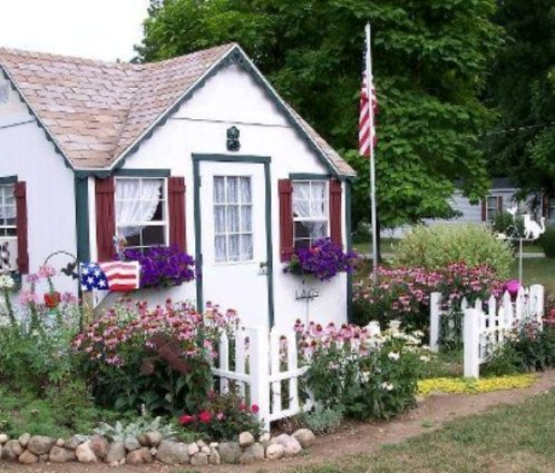 Jeannie Rhoades's crafty cottage