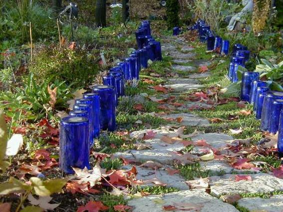 Lark Kulikowski's blue border