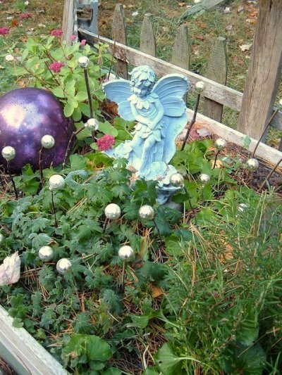 Di-Ellen Davenport used three simple things to make her fairy garden
