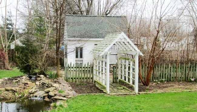 Garden cottage dream