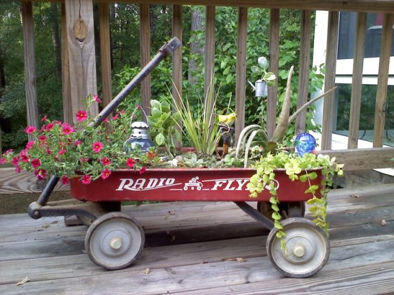 Kay Bassett brightens up her patio with a portable planting