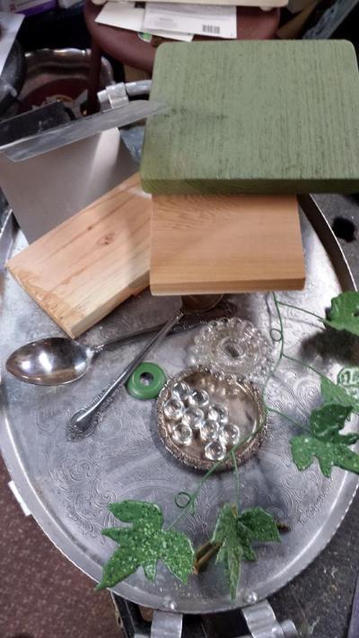 Sandra Hogan's birdhouse materials