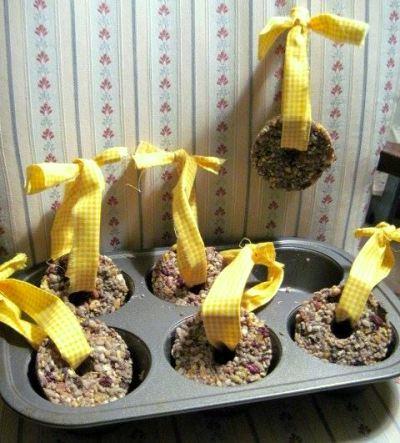 Jeanie Merritt's mini seed wreaths