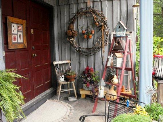 Kay Bassett's entryway vignette