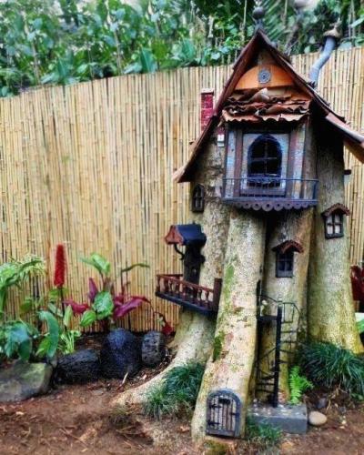 Leslie Hagen's tree stump redo