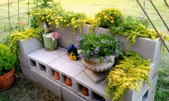 Billie's bench at peak bloom
