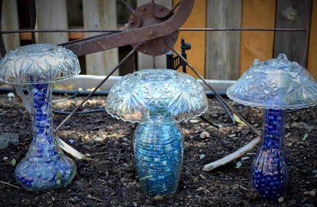 Marie Niemann's crystal mushrooms