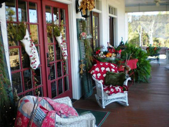 Billie Hayman's very festive porch