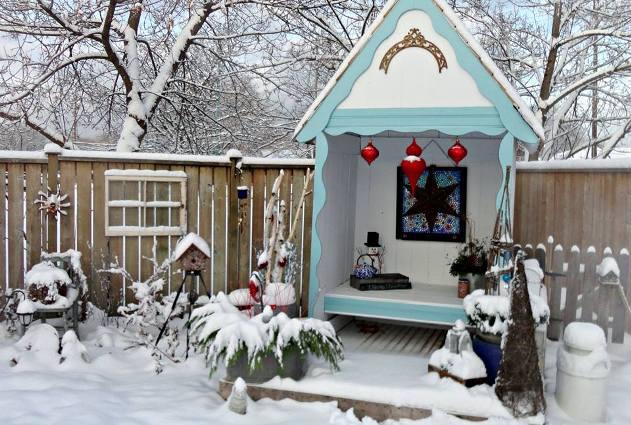 Linda Gladman's Christmas garden