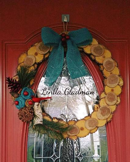 Linda Gladman's Christmas wood wreath