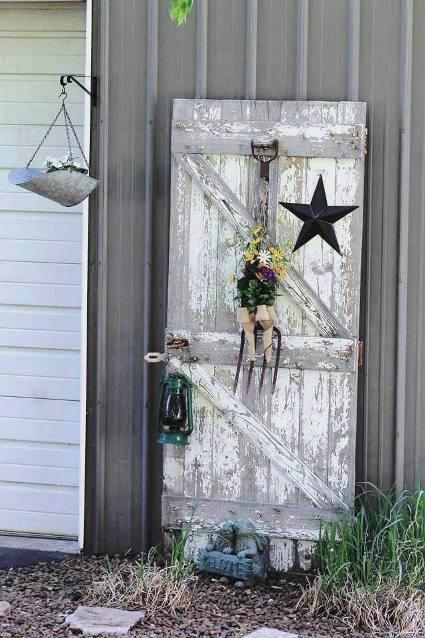 Fun garden vignettes from vintage doors  Flea Market Gardening