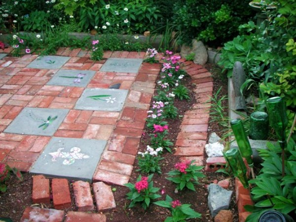 Becky Shows How To Make A Decorated Brick Patio