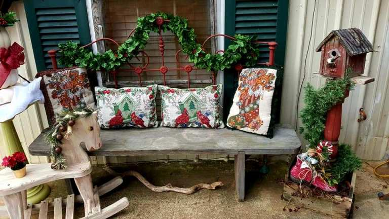 Often, Garden And Porch Vignettes Consist Of Three Main Items. Here, Ammie  Has Placed Interesting Items On Either Side Of This Rustic Bench With  Colorful ...
