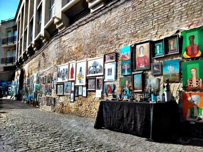 flea market objective A home should be curated and flea markets are great places to find soulful  way  with the objective of closing the sale as quickly as possible.