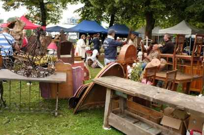 Flea markets in europe you must visit in 2017 top 15 flea markets braderie de lille flea - Braderie de lille date 2017 ...