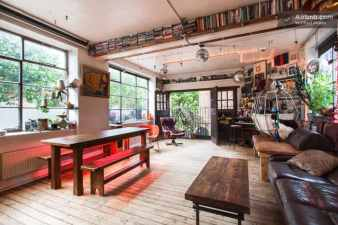 vintage airbnb appartment in London