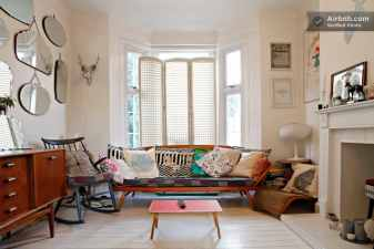 vintage airbnb appartment in London, UK