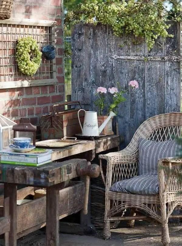 Vintage Garden Decor ideas 001
