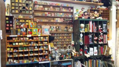 Lakewood 400 Antiques Market 5