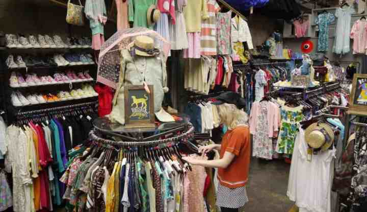 A Recessionista Guide to Buying Vintage Clothing Online - Flea ...