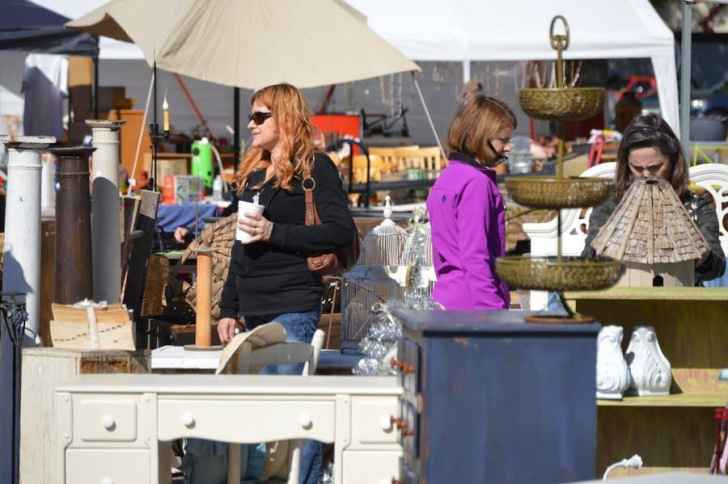 Raleigh Flea Market-012