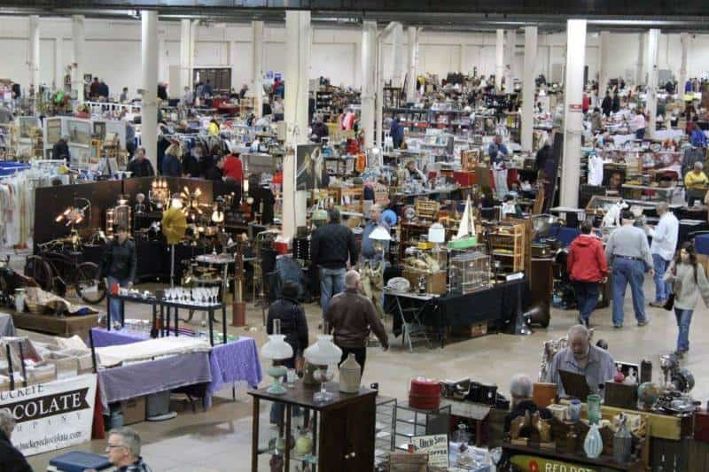 Flea Markets in Ohio: Scott Antique Market Columbus