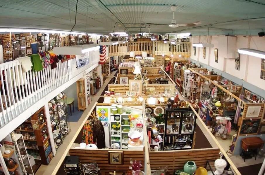 Freelton Antique Mall - Flea Markets in Ontario