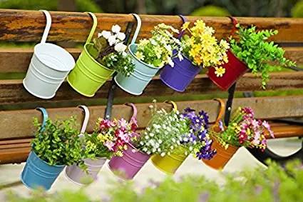 metal-hanging-flower-pots-2