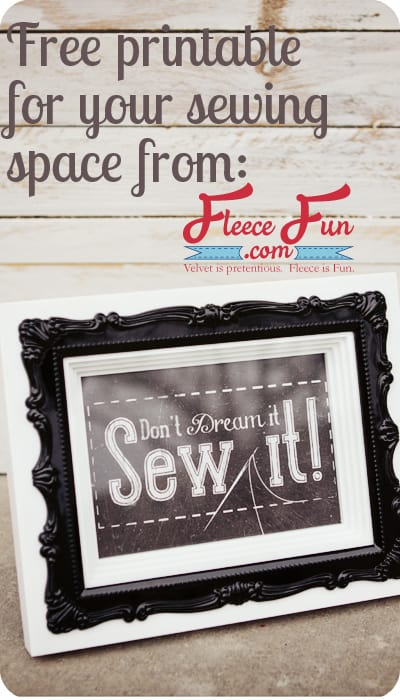 This free printable is perfect for my sewing space!!