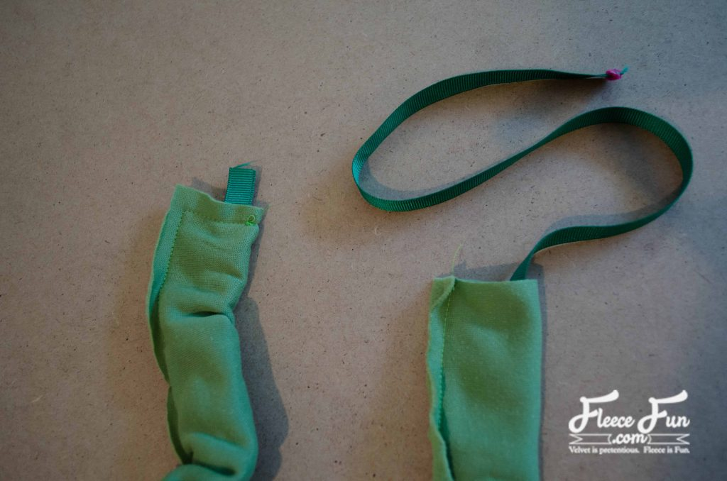 I love how sweet and easy this sewing tutorial is. I want to make a few of these in different colors. Fleece Sewing project. Love this braided ear warmer tutorial.