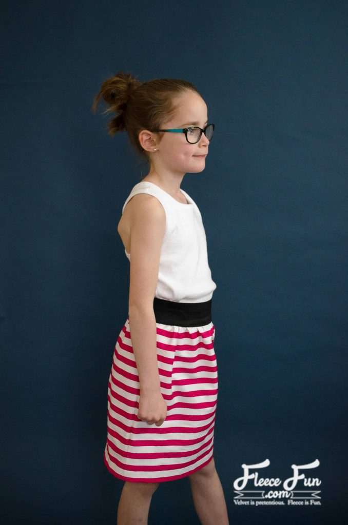 Love this DIY sewing tutorial. This simple skirt for girls tutorial is easy to make and comfortable for your little lady! Plus there are measurements for sizes 2t to 12!