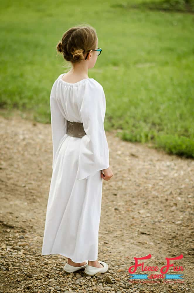 I love this easy sew Star Wars Inspired DIY Princess Leia inspired costume. It has a free sewing pattern - perfect for Halloween for a little girl.