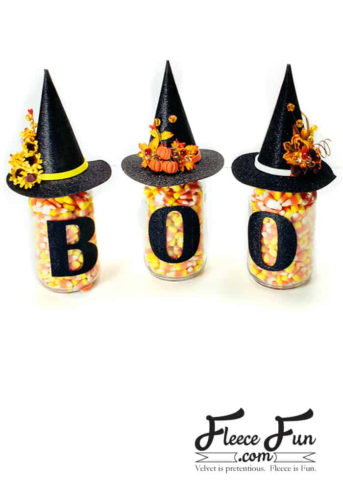 These Halloween Mason Jars are an easy craft project. Perfect for fall decor or a hostess gift. Love the free Halloween SVG file that comes with it!