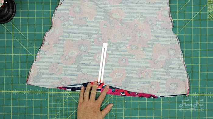 This free girls skirt pattern sews up easily and is beginner friendly. With clear step by step instructions and multiple sizes you can make a cute skirt that is comfortable for your tween. Girl sizes 7 to 14.