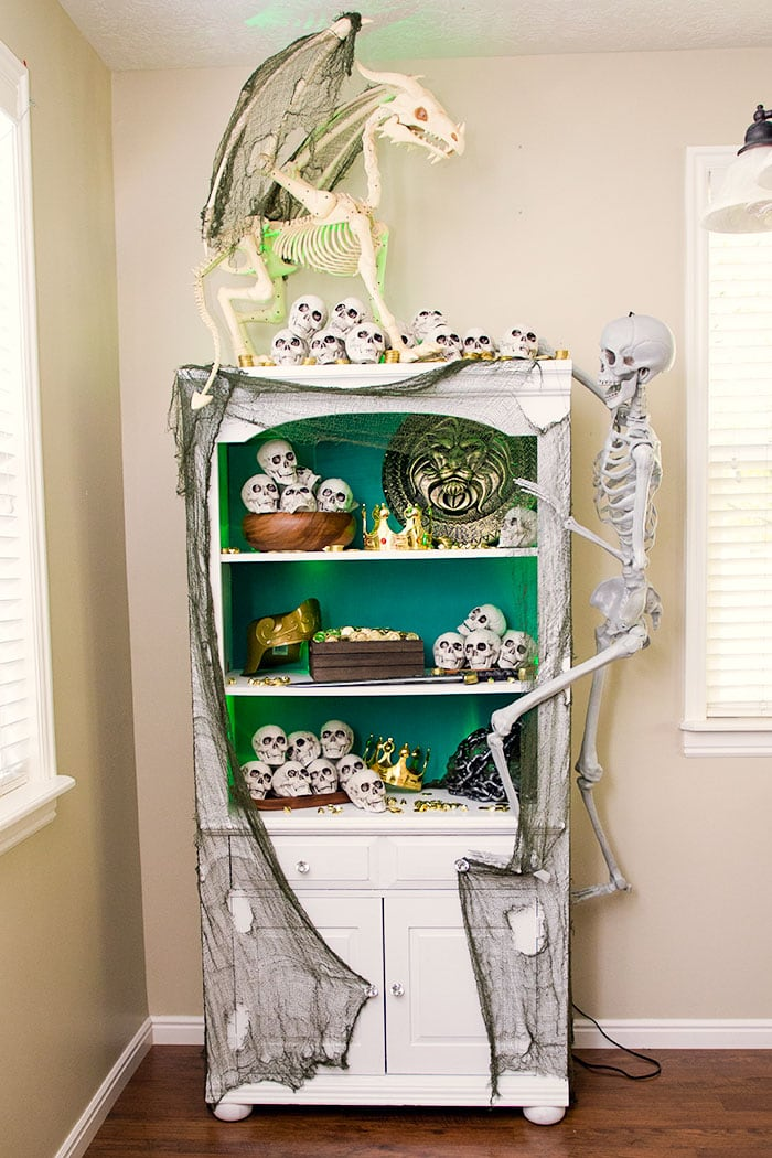 Halloween Decorating Ideas 2019 (Fast and Easy to Do)