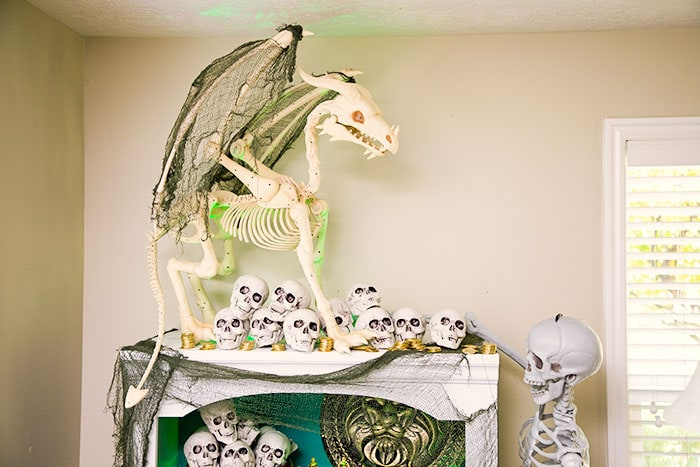 You'll love these easy Halloween Decorating Ideas.  So fun to put together and wonderful tips to use in your own home for the autumn season.