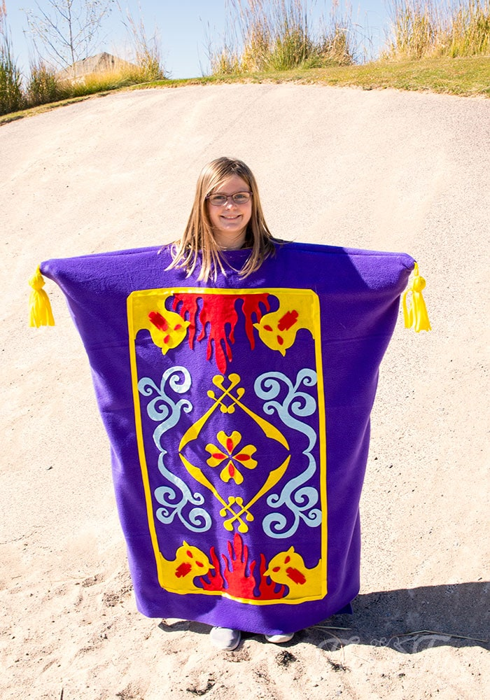 Aladdin Magic Carpet Costume DIY (Free Pattern) this easy to make costume pattern is so fun! I love how there is a pdf and an svg pattern to make it fast to assemble. Great Halloween costume ideas.