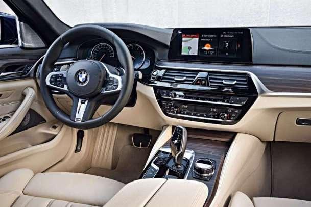 BMW Serie 5 Touring 2017 Interni