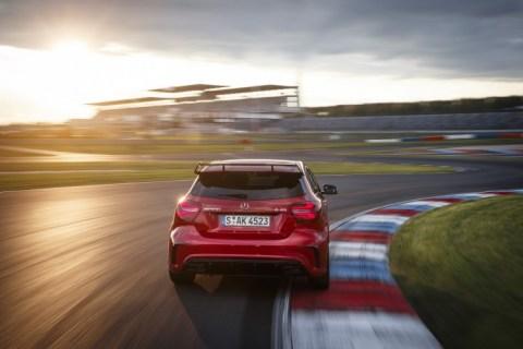 Noleggio a privati e partite Iva per AMG, Mercedes lancia 'Just the best'