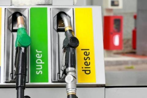 Prezzi carburanti, ulteriori aumenti il servito raggiunge 1,8