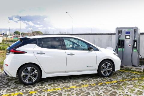 Progetto EVA+: installate 130 stazioni di ricarica fast recharge