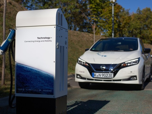 Cambiamenti climatici: Nissan per sviluppo tecnologia batterie UE