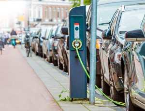 infrastrutture ricarica veloce auto elettriche