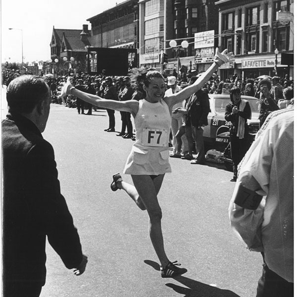 Kathrine Switzer- Women In Sports: Female Firsts In Every Sport- SportzPoint