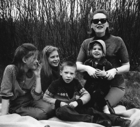 June and kids on a picnic in 1968