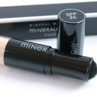 Review: Mineralogie Dispending Brush foundation