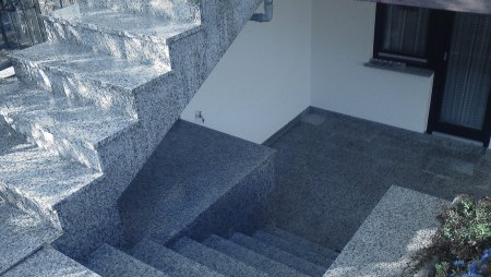 Fliesen-Treppen