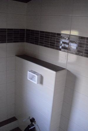 WC Vorwand verflieste Badablage Bild6  Fliesen Fieber